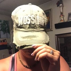 Mossimo tattered style fitted hat